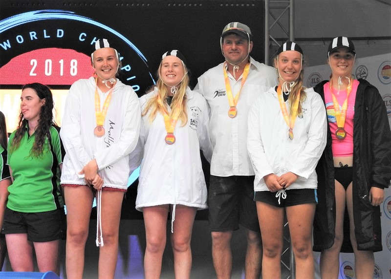 Mollymook U/19 Female Boat Crew,mollymook beach,Mookie Rookies,Mollymook surf club,2018 SLS World Championships
