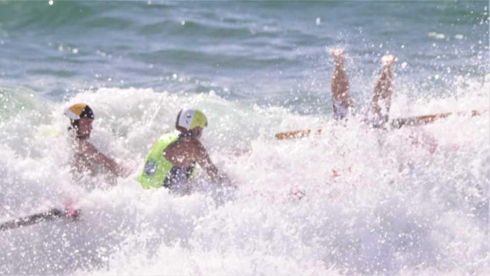 Mollymook ocean swimmers,North Cronulla surf club,Freshwater surf club,Moruya surf club,mollymook beach waterfront,ASRL,surf boats,destination mollymook milton ulladulla
