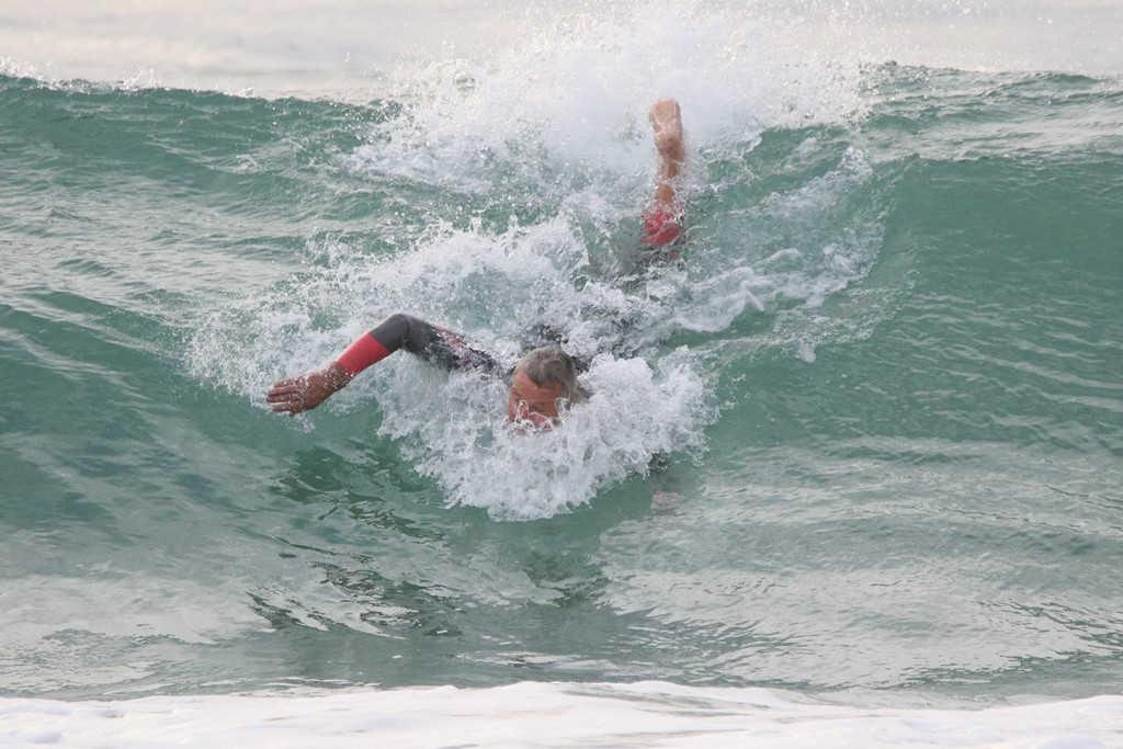 Mollymook Ocean swimmers,mollymook news,mollymook beach waterfront,destination mollymook milton ulladulla,mollymook,golf course reef