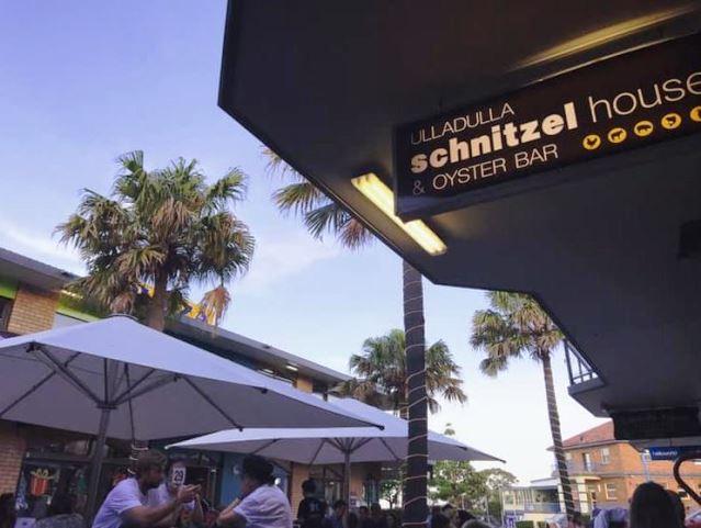 Ulladulla Schnitzel House and Oyster Bar,Ulladulla Schnitzel House,Oyster Bar,destination mollymook milton ulladulla,Mollymook Beach Waterfront