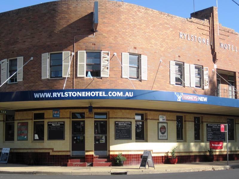 Rylstone Pub,Rylstone Caravan Park